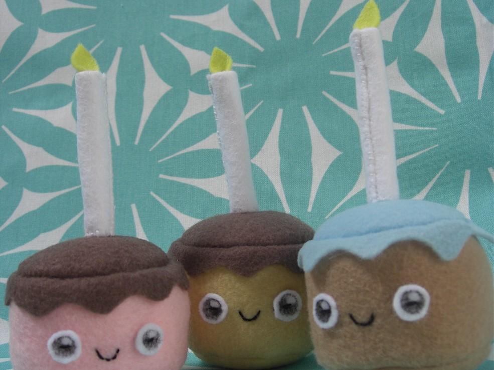 Happy Birthday Felt Cupcakes
